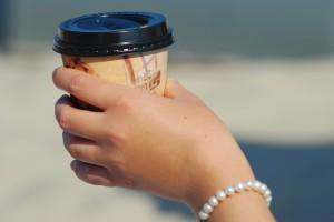 Artikel stellt vor: Coffee to go - direkt aus dem Becher.