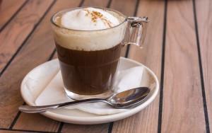 Wenn's heiß wird, mit Eis – Kalter Kaffee voll im Trend